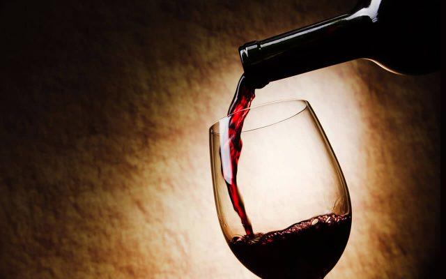 Baan Rim Pa Kalim: Wine & Cocktails